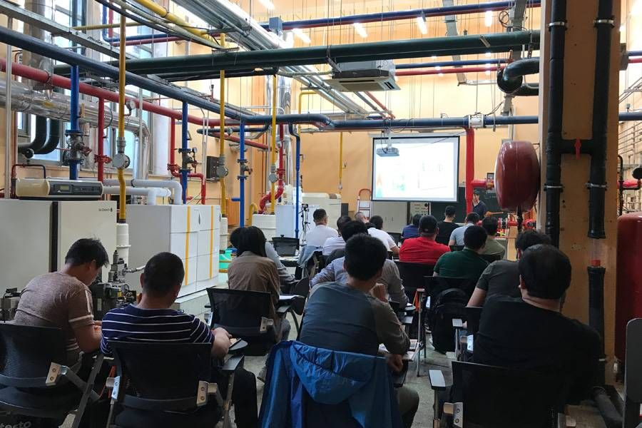 CN_20191010_HVACR_heating_training-01.jpg
