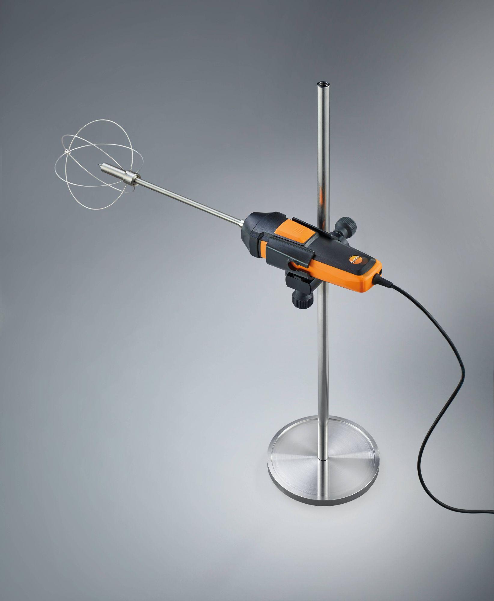 Measuring tripod for flow measurements