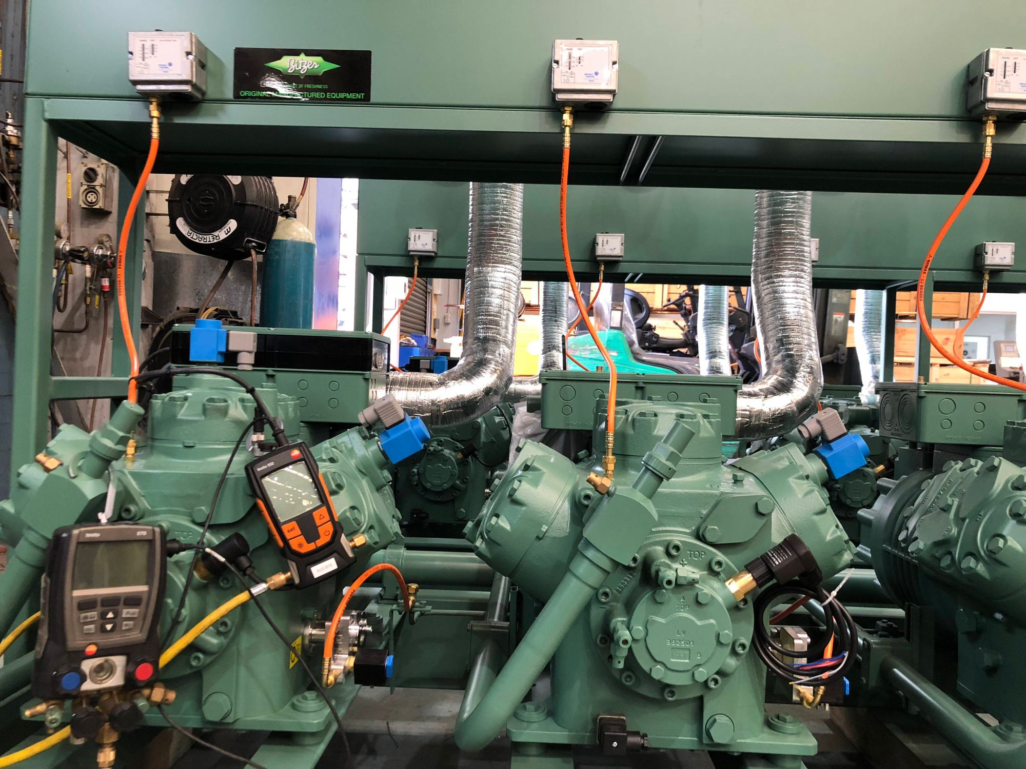 The testo 570 & 552 devices are used to monitor the performance of BITZER's various refrigeration units.