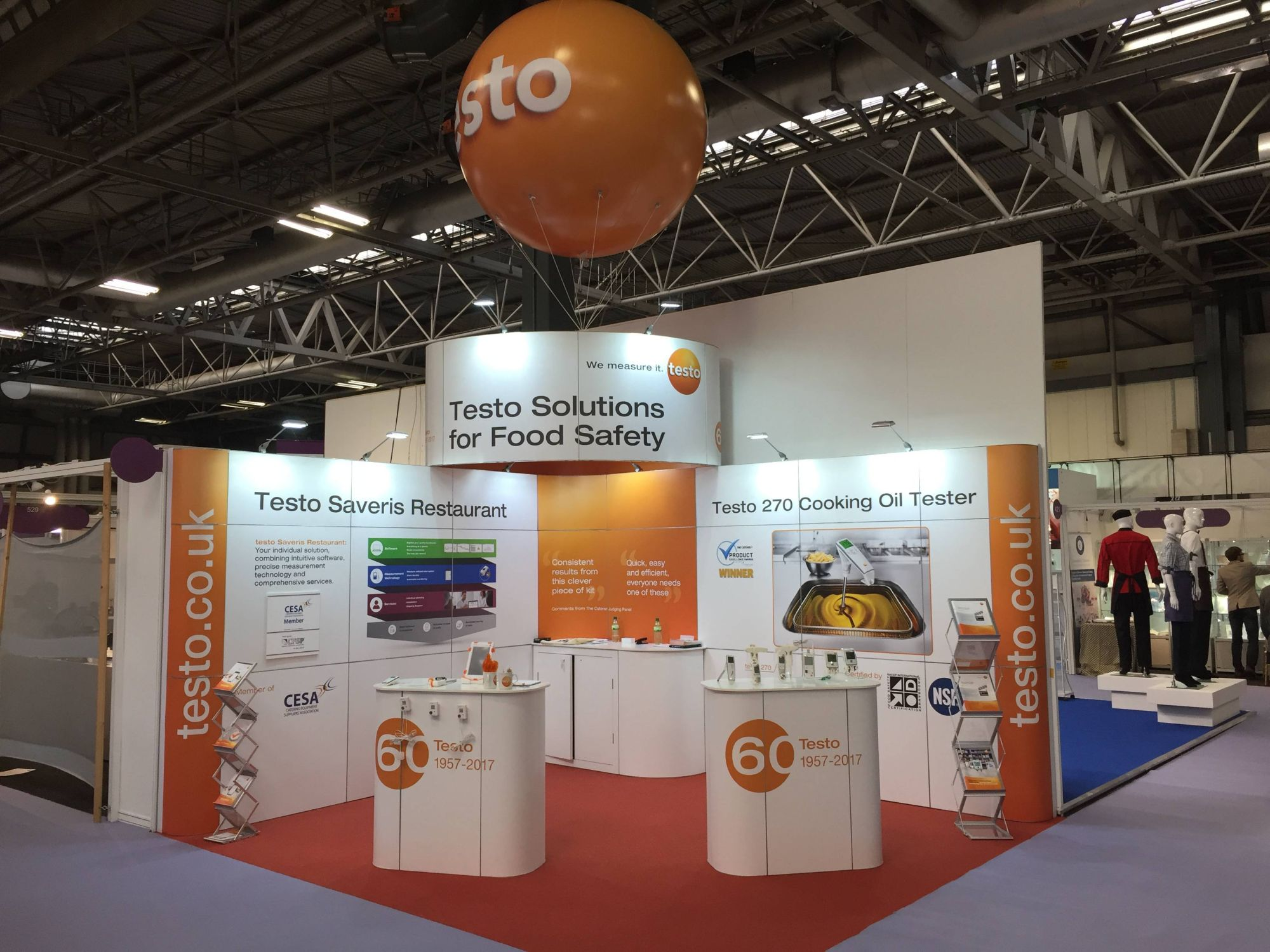 testo-commercial-kitchen-stand.JPG