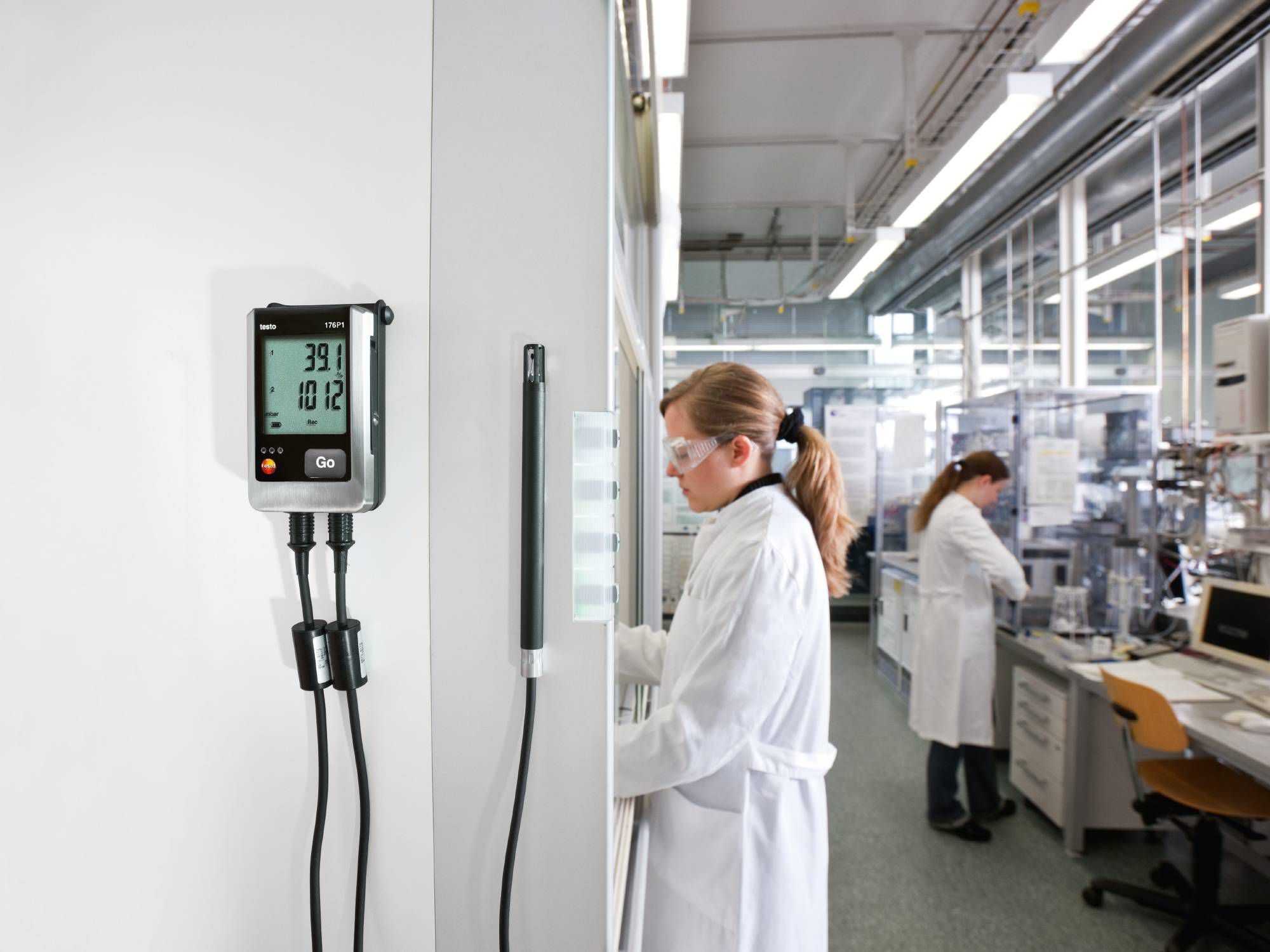 Monitoraggio della pressione e dell'umidità durante la produzione