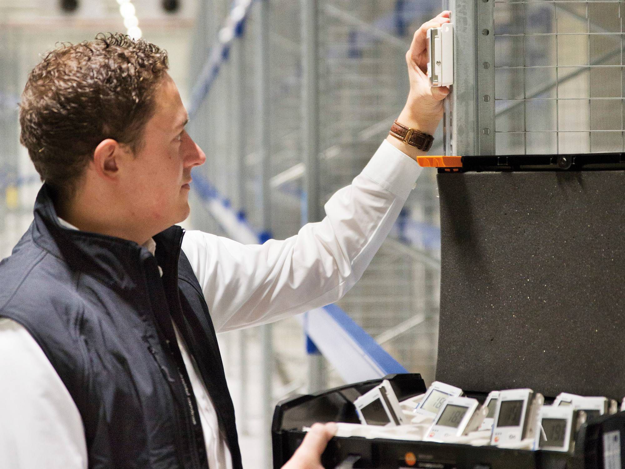 Data loggers check the temperature and humidity conditions in a high-bay warehouse