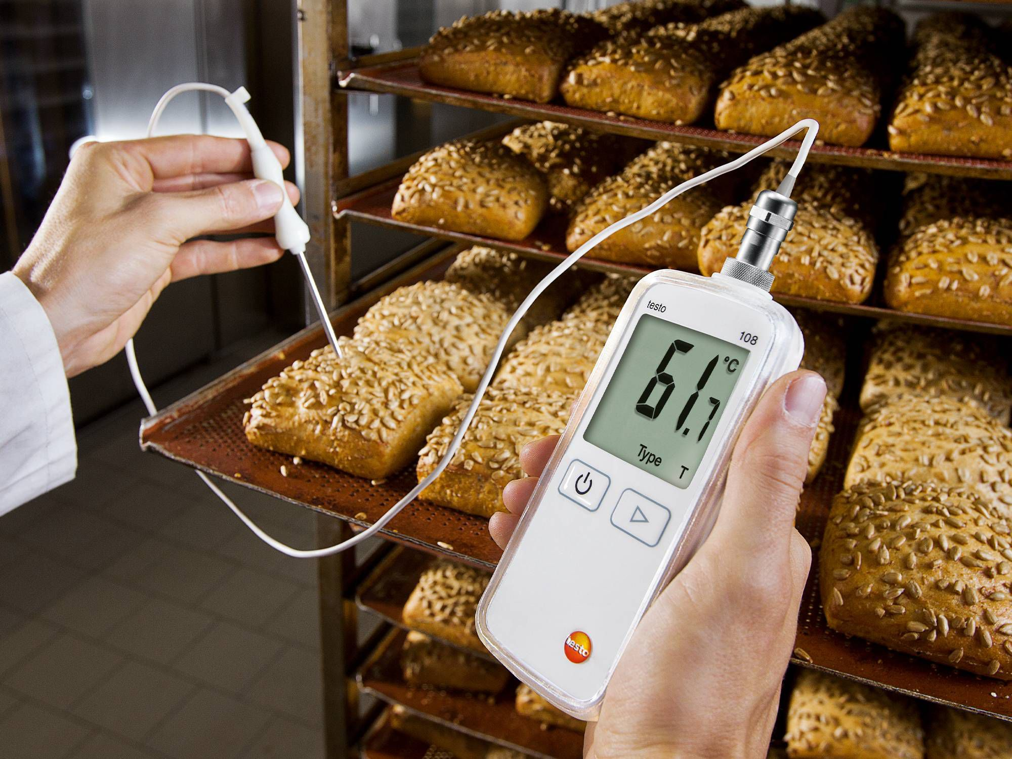 Temperature check in traditional food production setcor