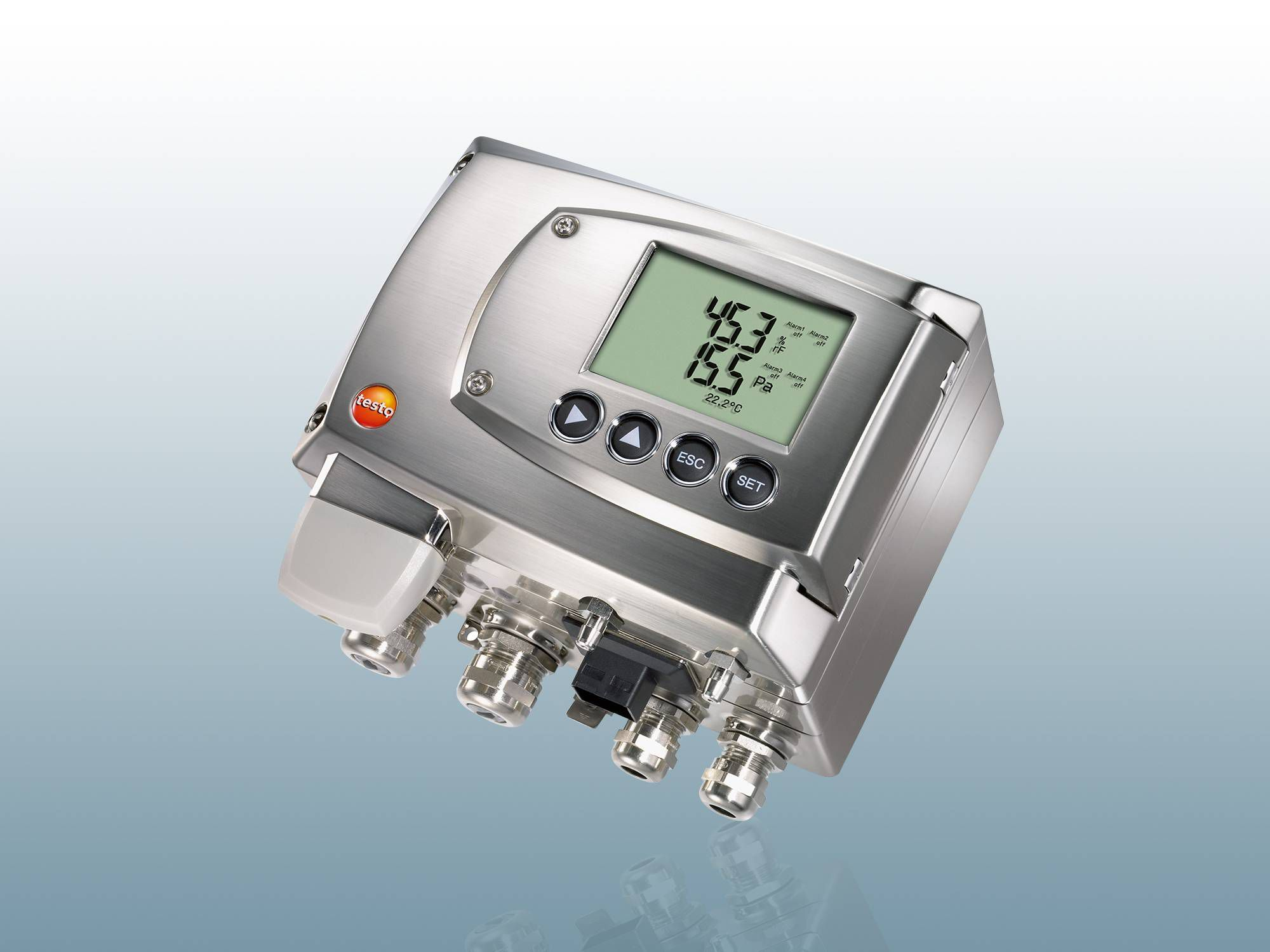 Differential pressure transmitter with flow calculation