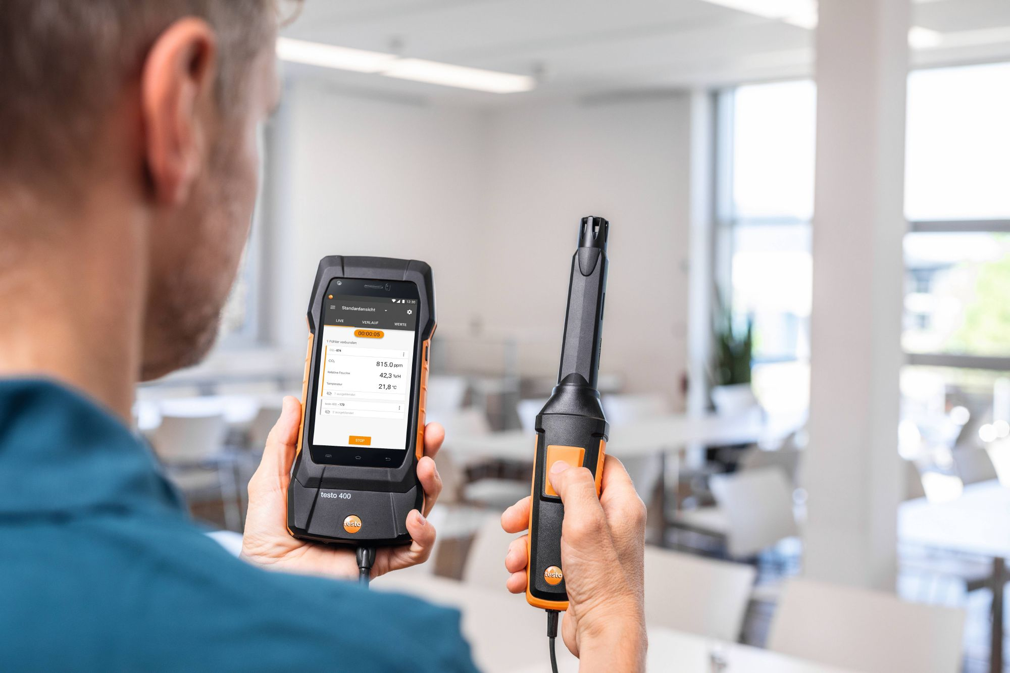 testo-400-0632-1551-CO2-probe-with-Bluetooth-incl-temperature-and-humidity-sensor-V1-DE.jpg