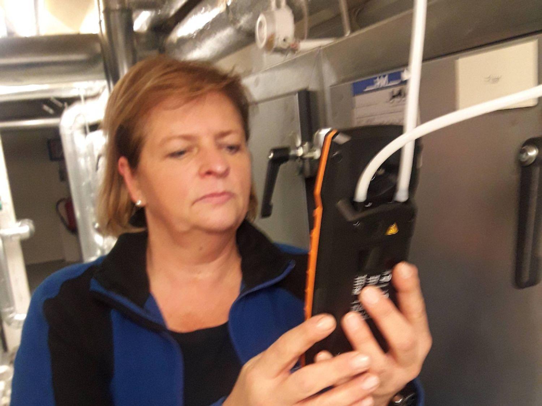 Das Klimamessgerät testo 400 wird von der Firma HM Haustechnik Melsungen Service GmbH getestet