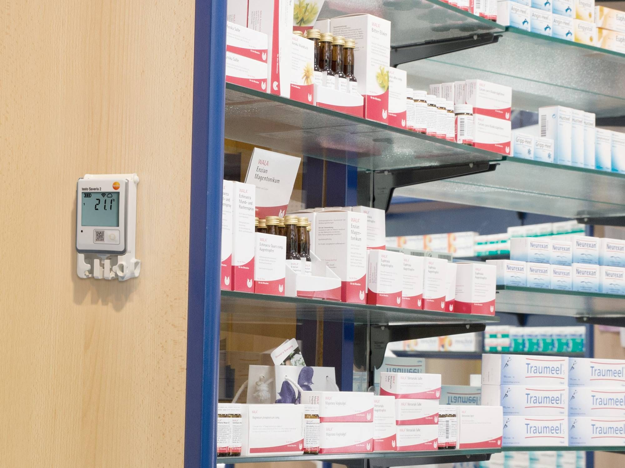 Data logger for humidity measurement in pharmacies
