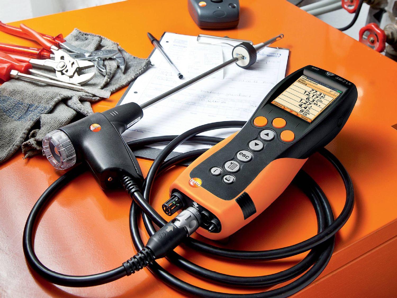 testo 330-2 LX in Use