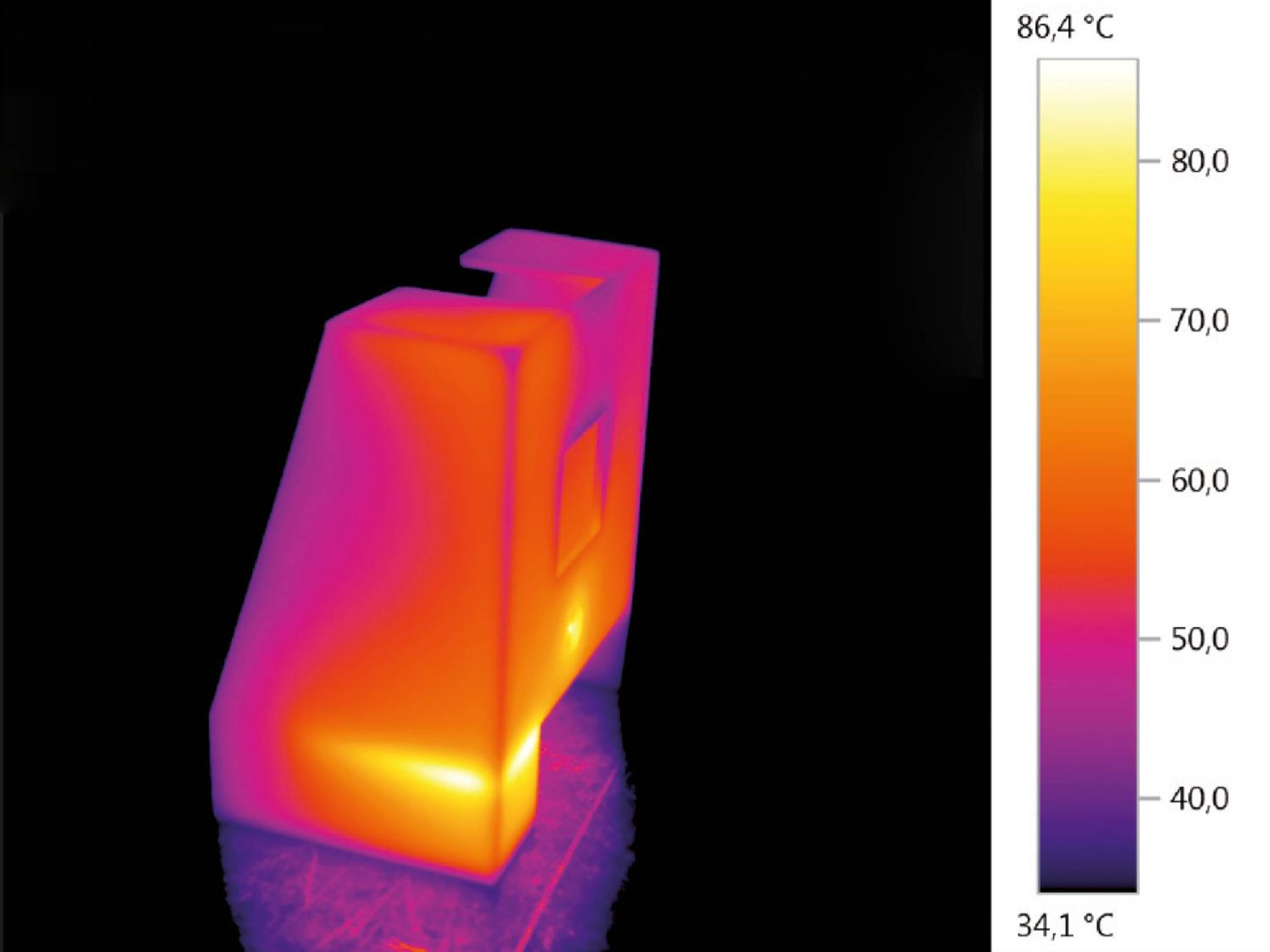 Thermal image of a plastic component