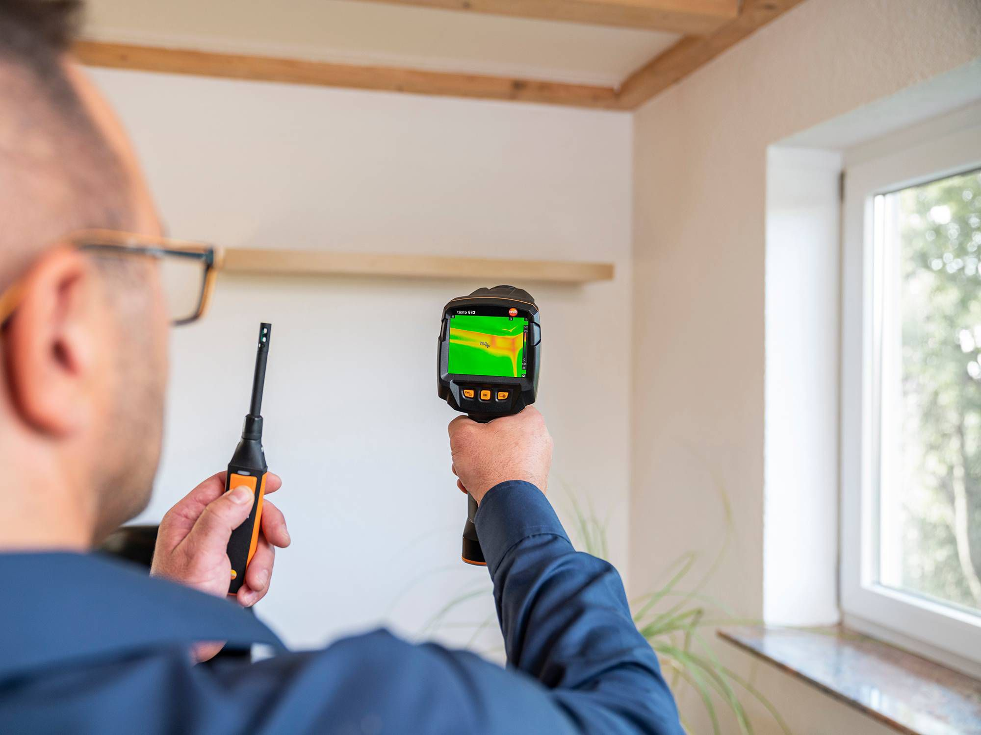 Mould risk detection with thermal imager
