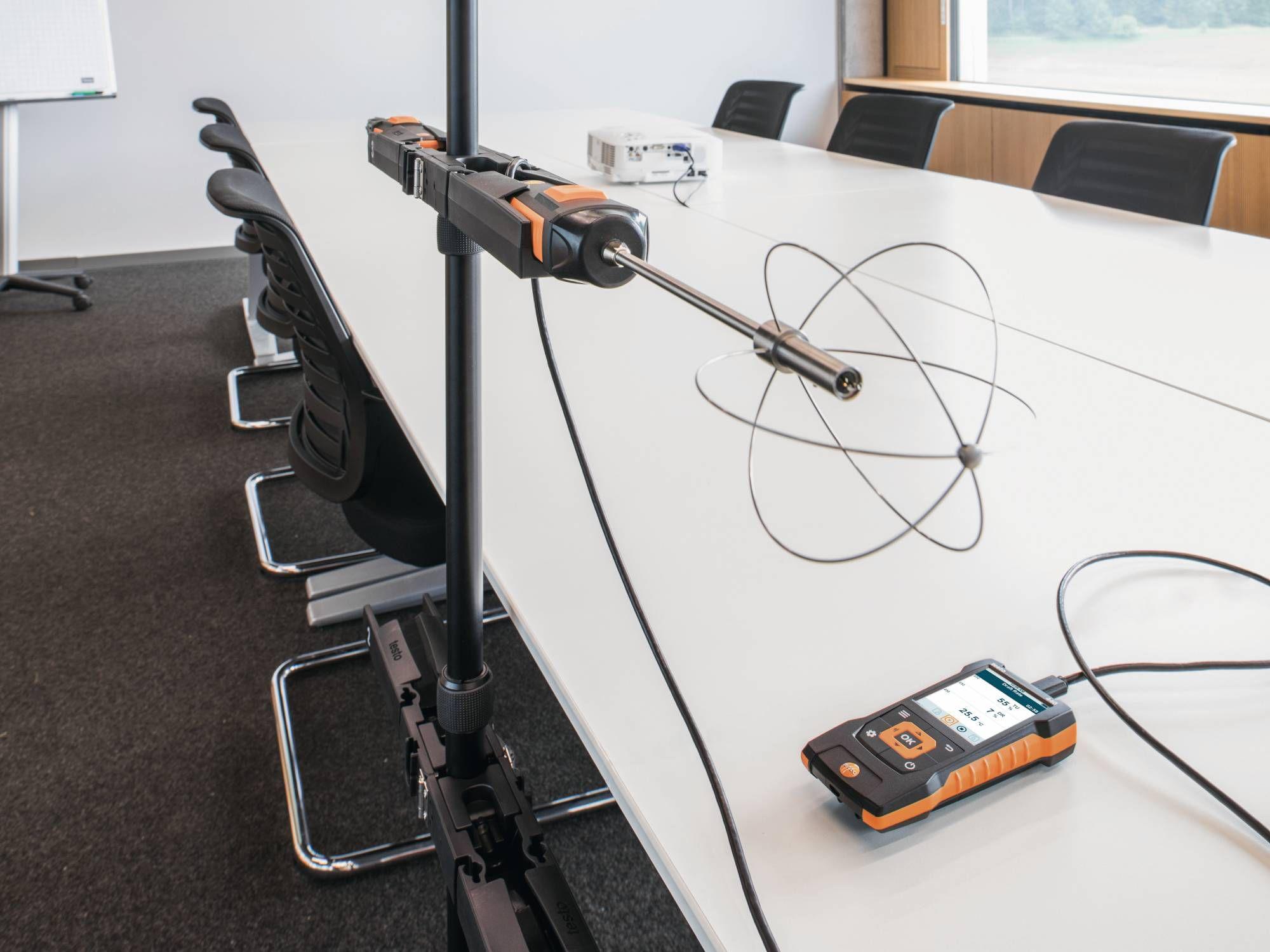 testo-440-Turbulence-probe-fixed-cable-en-2000x1500.jpg