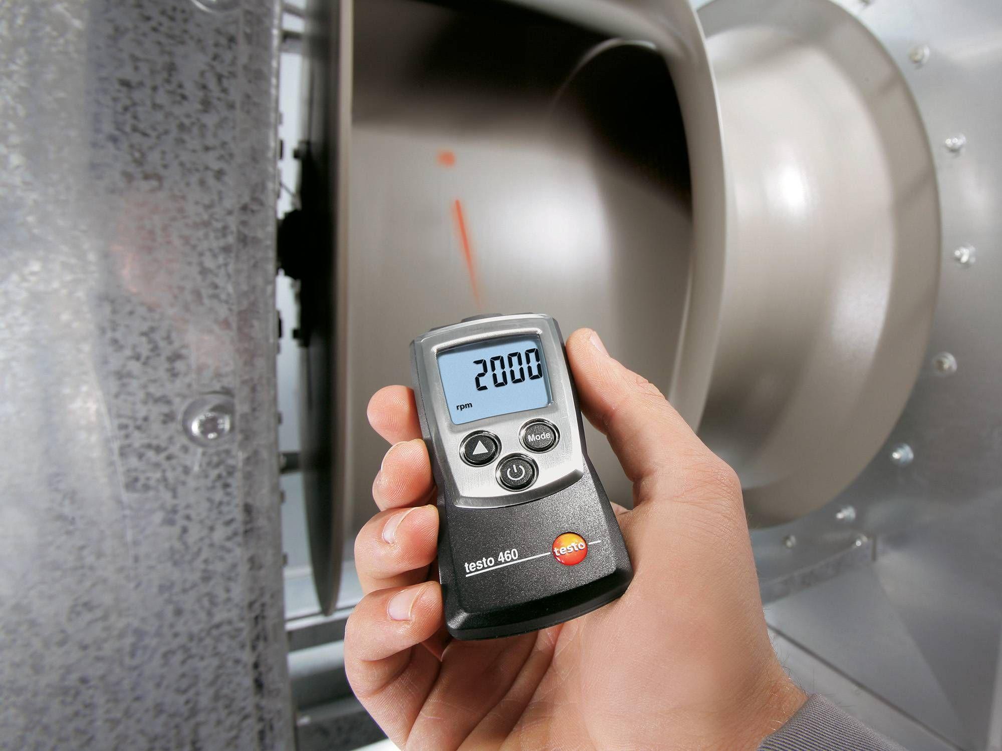 Fordulatszámmérő