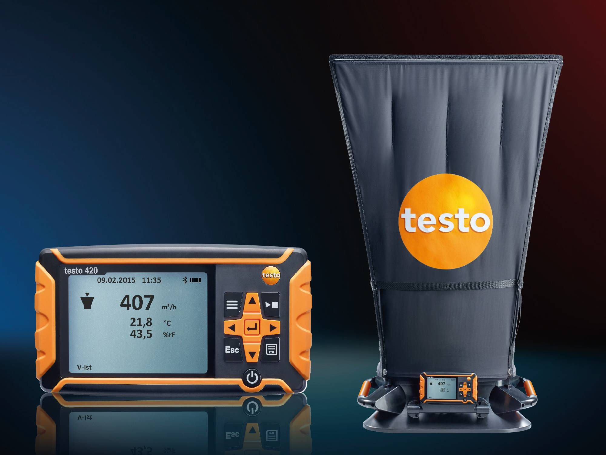 Testo Differenzdruckmessgerät und Testo Volumenstrom-Messhaube