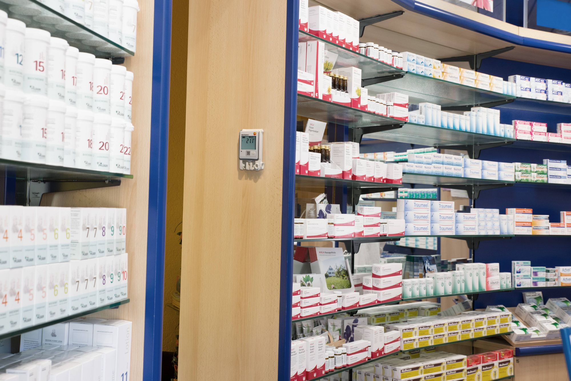 Temperature monitoring in pharmacies and hospitals