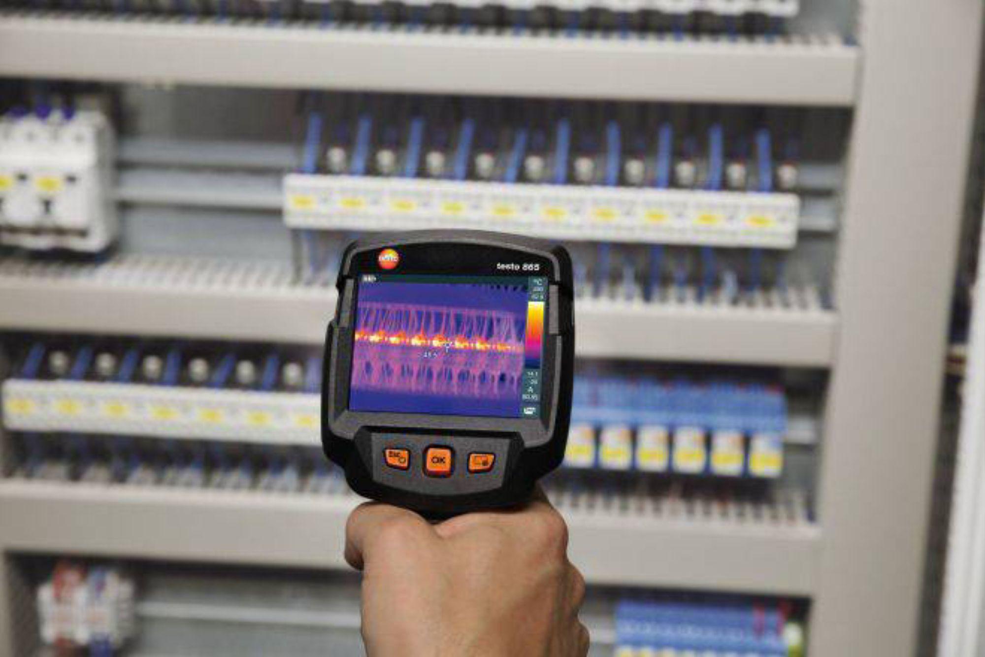 testo-865-application-electrical-cabinet_prl.jpg